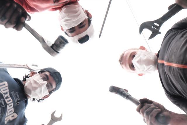 Les chirurgiens de la mécanique