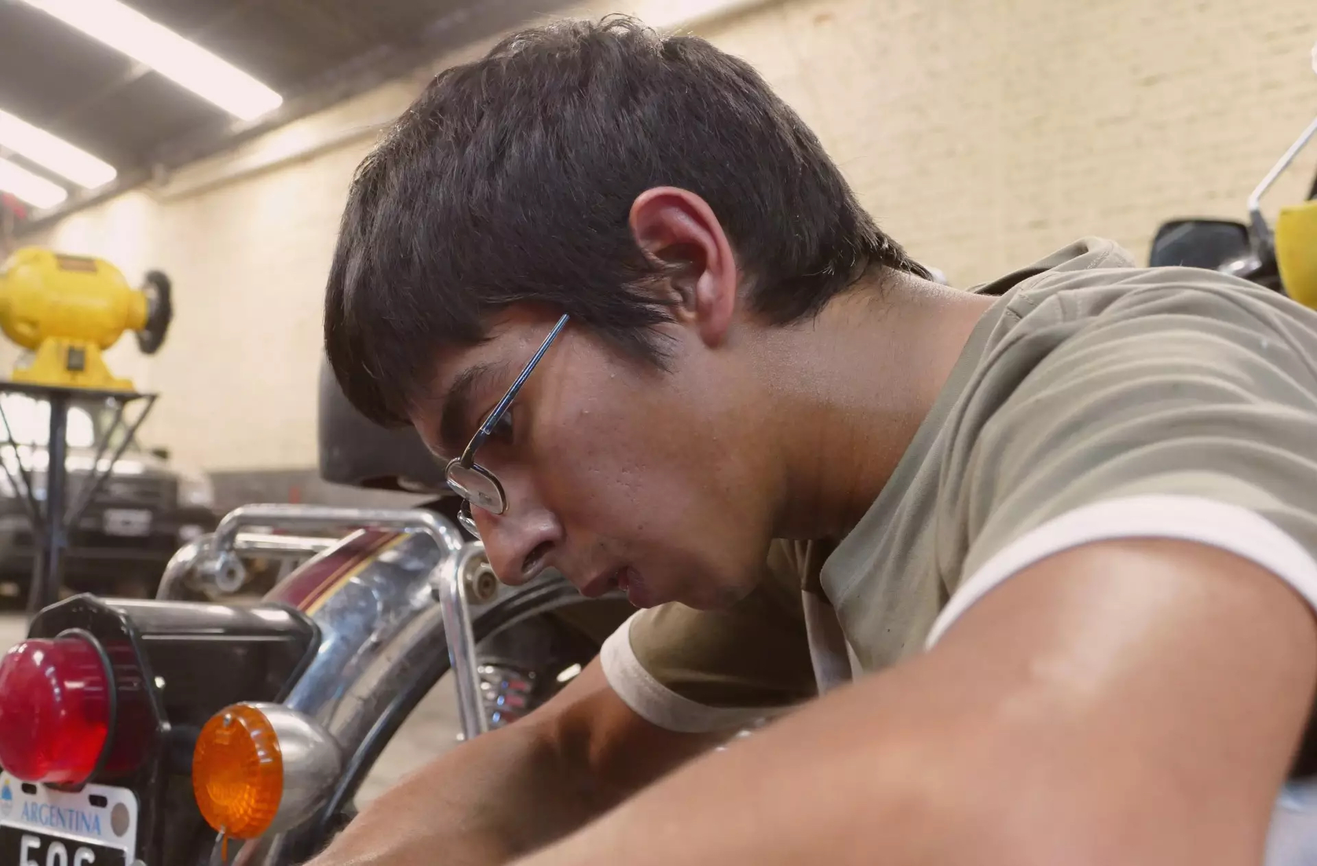 Nico mécanicien garage Mono500
