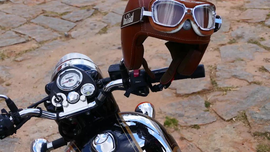 Cedric Donck, guide moto Mono 500 à Madagascar