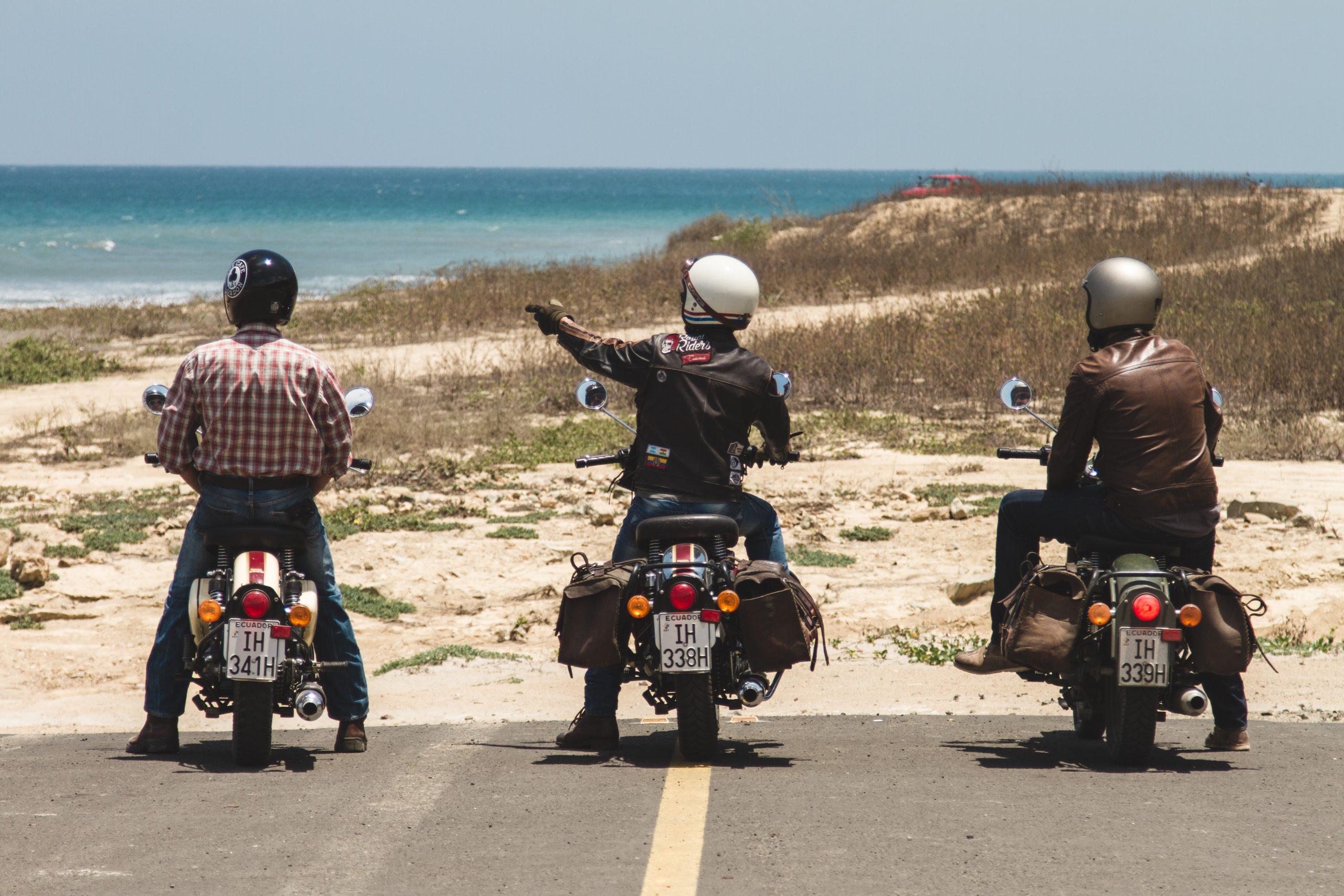 road trip moto équateur
