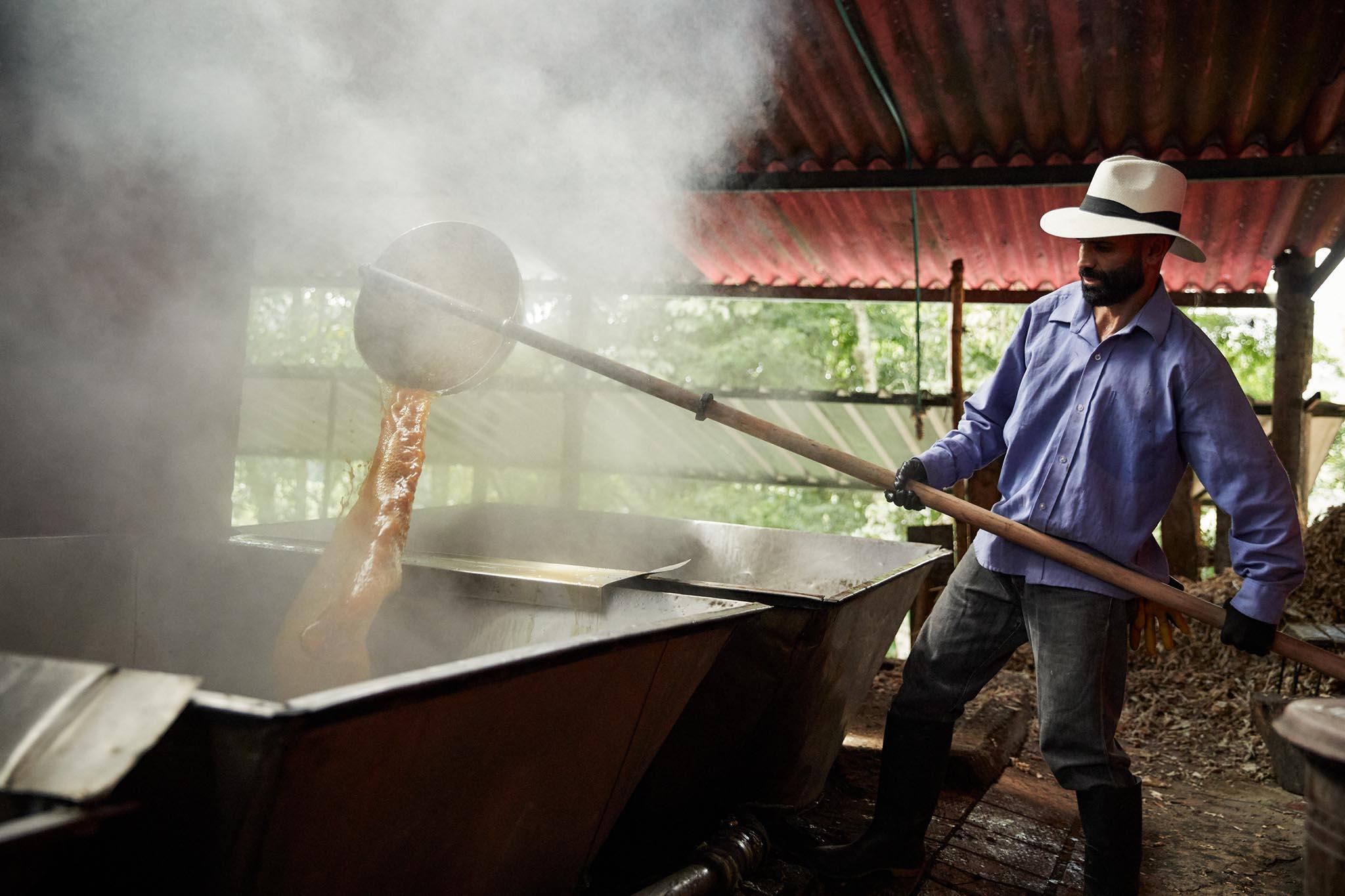 Extraction de jus de canne à sucre dans la région de Santander