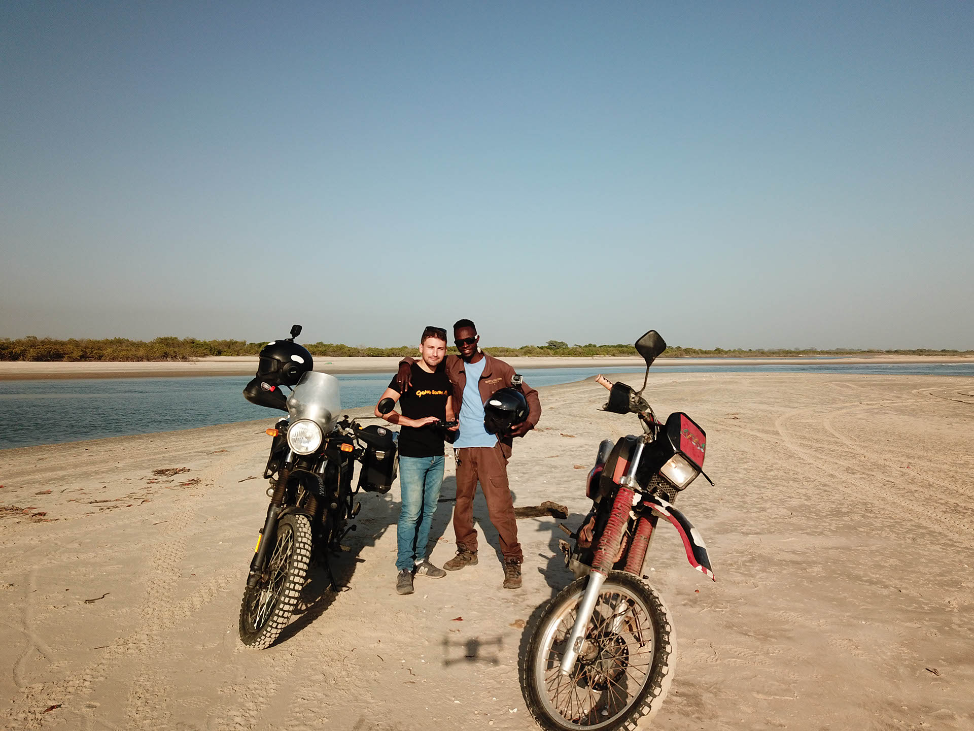 Erwan going south Royal Enfield Himalayan Afrique
