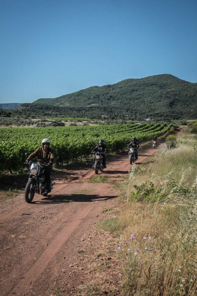Lac de salagou road trip moto vignobles héraultais