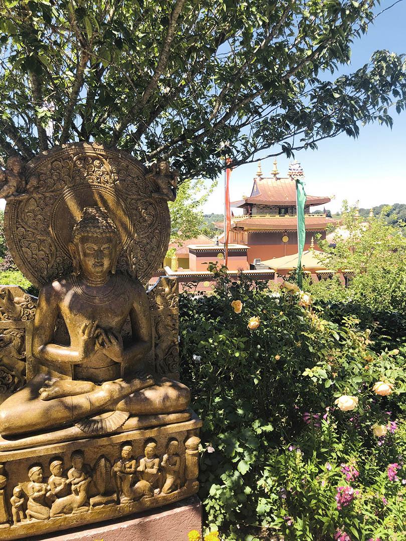 temple bouddhiste lerab ling voyage moto